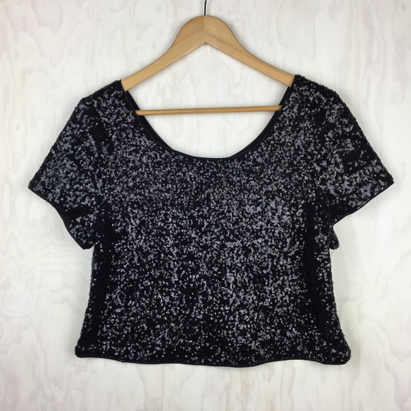 475b8f0b0a7 Forever 21 Tops - Forever 21+ black sequin crop top 1x plus size